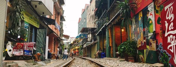 Hanoi Street Train is one of Hanoi.