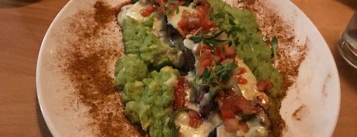 Avenida Mexican Asian Kitchen is one of Lugares guardados de Meredith.