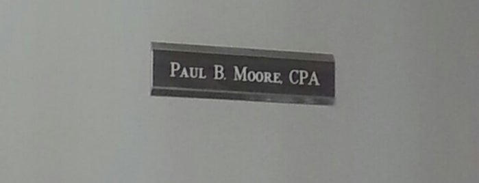 Paul B. Moore, CPA is one of Lugares favoritos de Stacy.