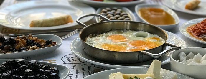 Azmak Restaurant is one of Locais salvos de Recep Kader.