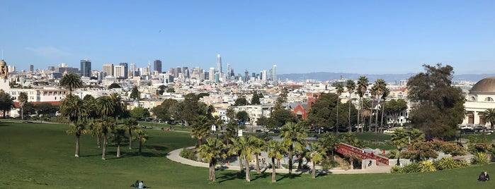 Mission Dolores Park is one of Vicky'in Beğendiği Mekanlar.