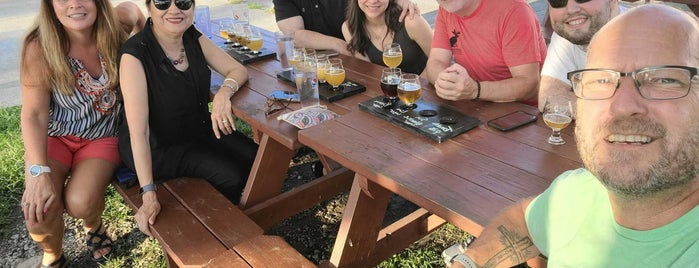 TailGate Beer is one of สถานที่ที่ Dean ถูกใจ.