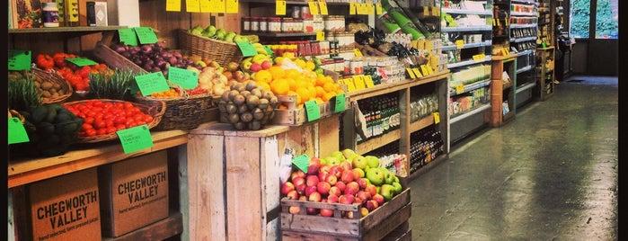 Earthy Foods & Goods is one of สถานที่ที่บันทึกไว้ของ Fabrizio.