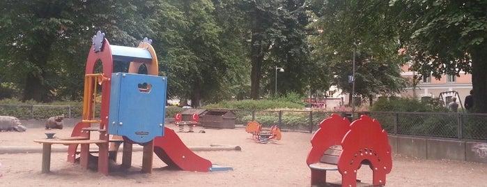 Leikkipaikka Vuorimiehenpuistikko is one of Helsinki.
