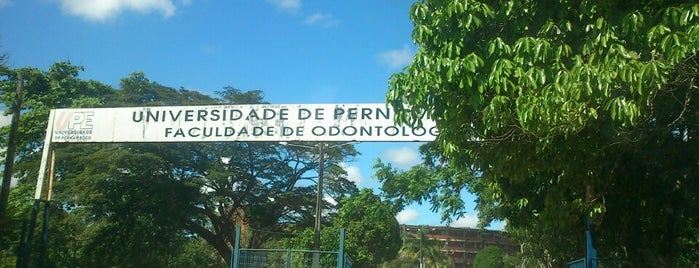 FOP - Faculdade de Odontologia de Pernambuco is one of Posti che sono piaciuti a Isabelle.