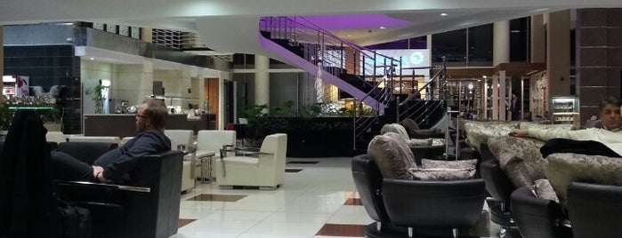 CIP First & Business Class Lounge is one of Yekta'nın Beğendiği Mekanlar.