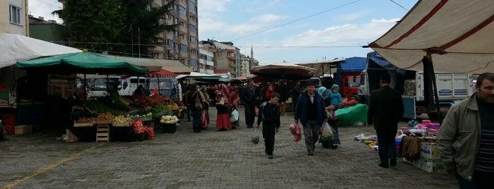 Sürmene Çarşı is one of Locais curtidos por Volkan.