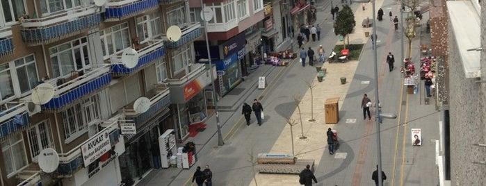 Hürriyet Caddesi is one of Orte, die Veysel gefallen.