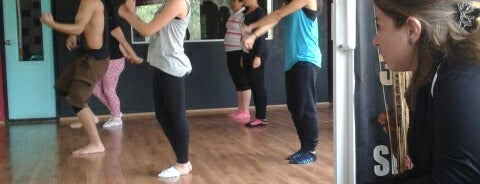 Stilos dance is one of Los mejores lugares.