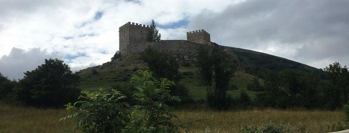 Castillo De Argüeso is one of De turismo por Cantabria.