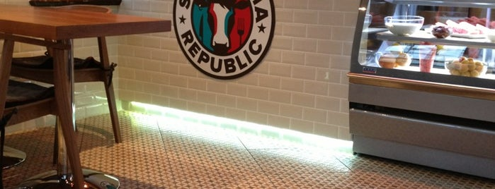 Shawarma Republic is one of Lieux qui ont plu à Ink.