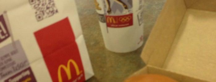 McDonald's is one of Orte, die Jon gefallen.