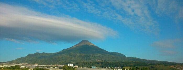 Kaki Gunung Cikuray is one of Locais curtidos por mika.