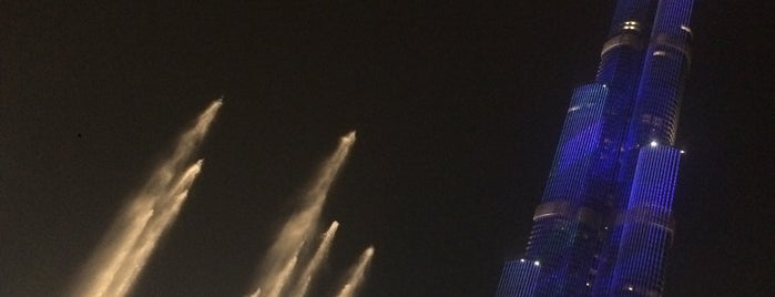 The Dubai Fountain is one of Lugares favoritos de Fatih.