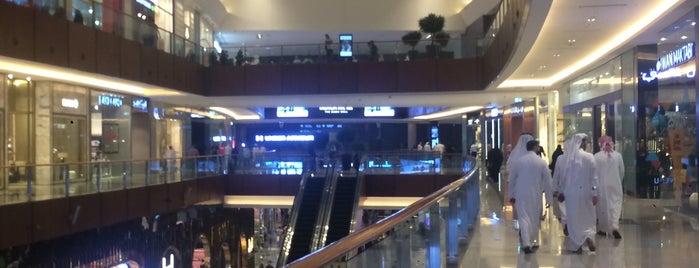 The Dubai Mall is one of Lugares favoritos de Fatih.