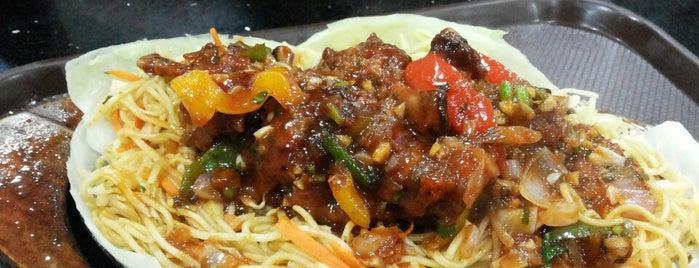 24/7 Food Court, JNU is one of Locais curtidos por Sezel.