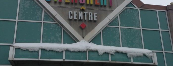 St. Laurent Shopping Centre is one of สถานที่ที่ Adan ถูกใจ.