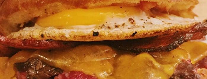 Puorto Sandwich Shop is one of Lisboa/Portugal.
