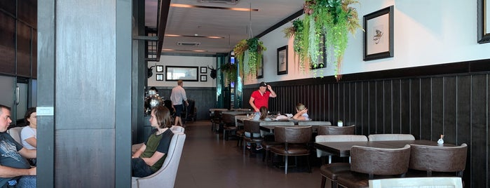 V.I.P Lounge is one of roma : понравившиеся места.