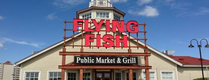 Flying Fish Public Market And Grill is one of Lizzie 님이 저장한 장소.