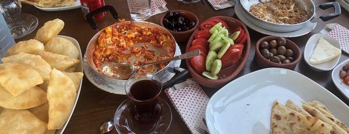 Badem Kahvaltı & Gözleme Evi is one of สถานที่ที่บันทึกไว้ของ Emre.