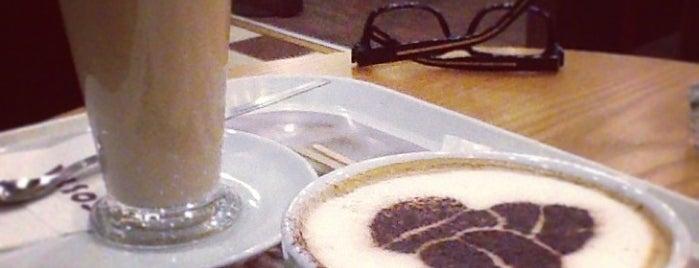 Costa Coffee is one of Tempat yang Disukai Jan.