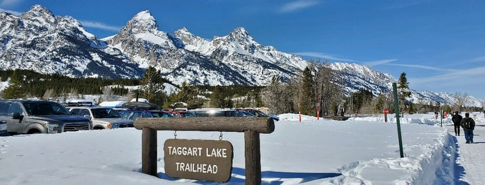 Taggart Lake Trailhead is one of Bridget'in Beğendiği Mekanlar.