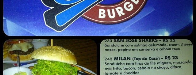 Stadium Burger is one of Lugares favoritos de Camila.