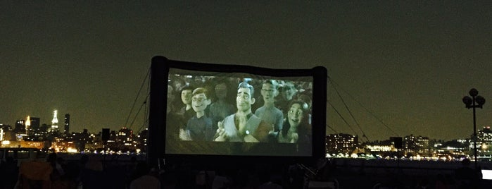 Movies Under the Stars is one of Faves.