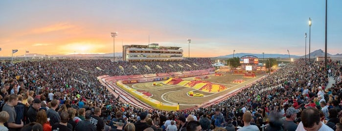 Sam Boyd Stadium is one of Tempat yang Disukai Cedric.
