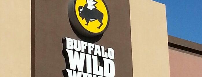 Buffalo Wild Wings is one of Lieux qui ont plu à Scott.