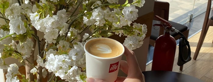 illy Caffè is one of Orte, die Hiroshi ♛ gefallen.