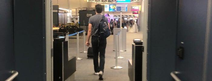 Gate D11 is one of Posti che sono piaciuti a Alberto J S.