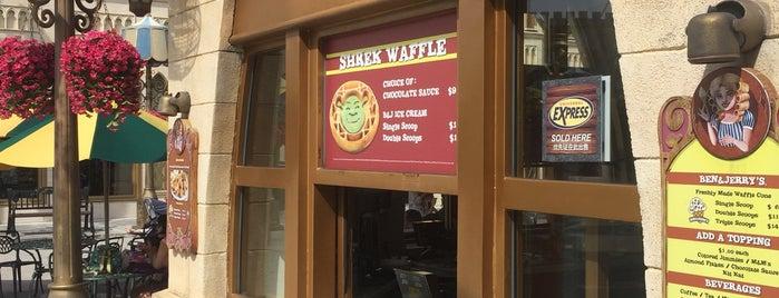 Ben & Jerry's is one of Tempat yang Disukai Ben.