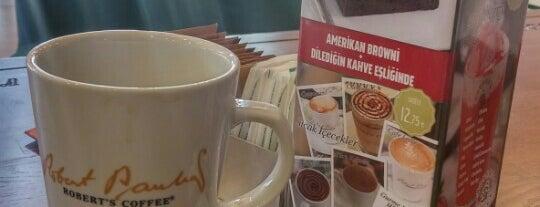 Robert's Coffee is one of Diyarbakır: Yemek Yenilebilecek Yerler.