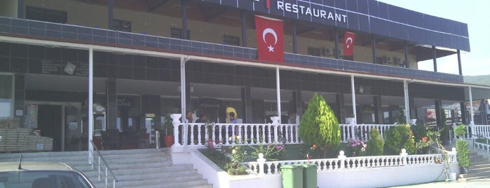 Atahan Park Otel & Restaurant is one of Posti che sono piaciuti a Samet.