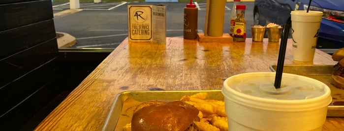 4 Rivers Smokehouse is one of Tampa Eateries.