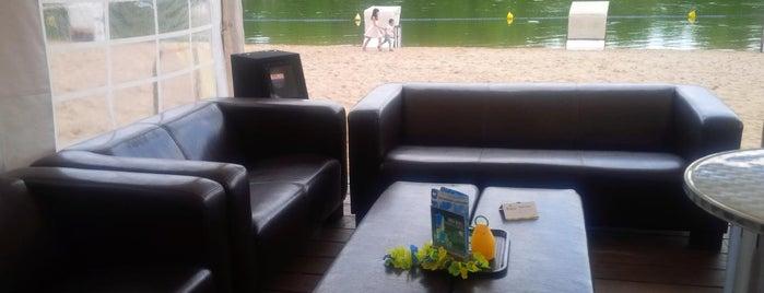 Cigarlounge am Diamond Beach is one of Lugares favoritos de Henri.