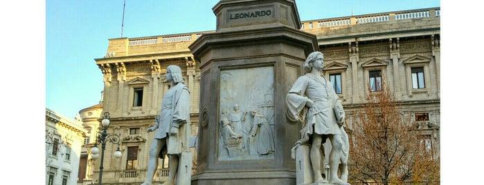 Piazza della Scala is one of Milano.