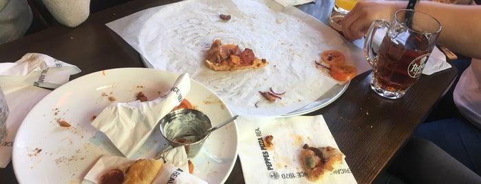 Peppes Pizza is one of Christina'nın Kaydettiği Mekanlar.