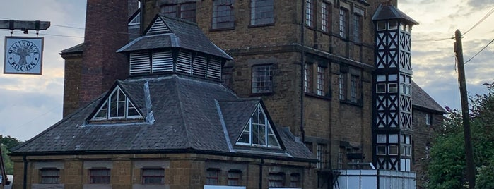 Hook Norton Brewery is one of Stuff I want to see and redo in London.