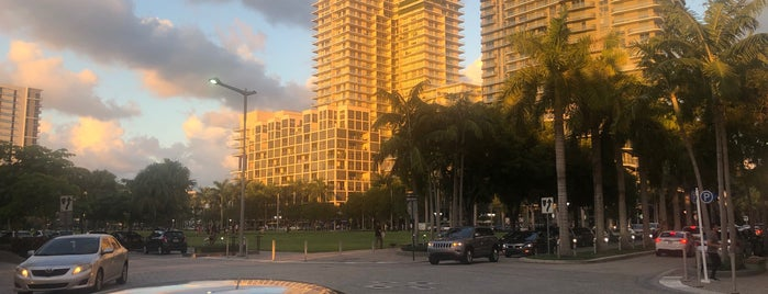 Midtown Miami is one of Tempat yang Disukai Patty.