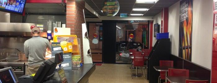 Burger King is one of สถานที่ที่ Z. Göksel ถูกใจ.