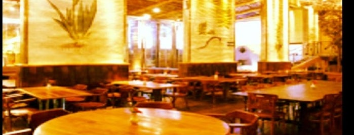 Katarino Restaurante Bar is one of Locais 1.