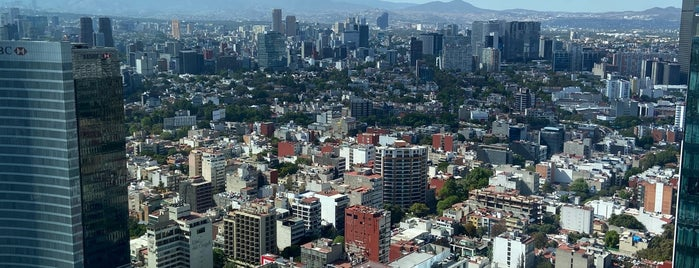 WeWork Reforma Latino is one of สถานที่ที่ María ถูกใจ.