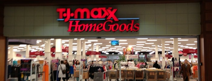 T.J. Maxx is one of Locais curtidos por Brooke.