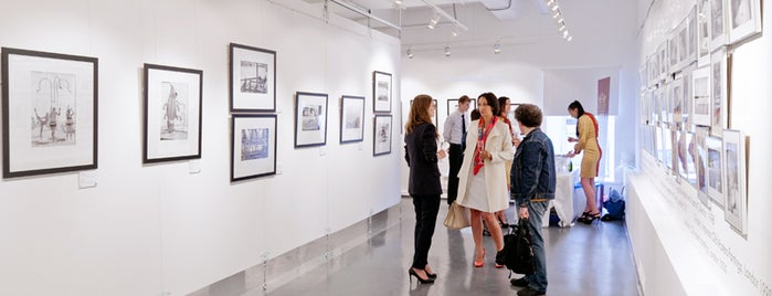 The Lumiere Brothers Center for Photography is one of Lugares favoritos de Marina.