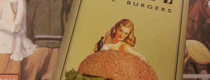Eddie Fine Burgers is one of Tempat yang Disukai Roberto.