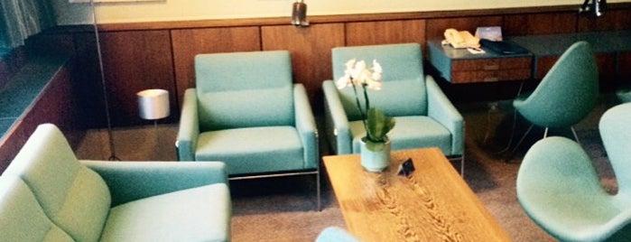 Room 606 - Arne Jacobsen Suite - Radisson Blu Royal Hotel is one of Orte, die Gordon gefallen.