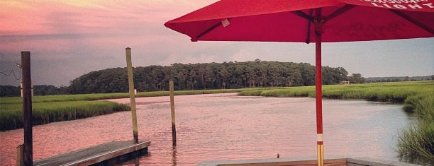 Bonna Bella Yacht Club is one of Best o' the South.
